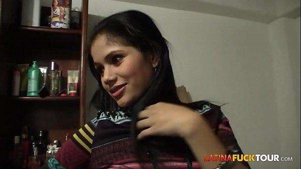 Echte kolumbianische Amateur-Jugendliche bekommt eine Überraschungs-Gesichtsbehandlung